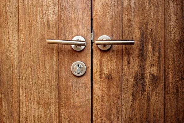 Puertas acorazadas en Pamplona